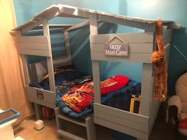 I MAKE CUSTOM KIDS, TWIN SIZE CLUB HOUSE BEDS. CONTACT ME IF YOUR INTERESTED IN BUYING ONE.. THIS PRICE INCLUDES, THE BUILD, PAINT, DELIVERY AND ASSEMBLY.
