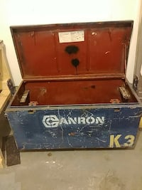 blue and red Canron wooden box New Tecumseth, L9R 0B6