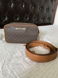 Michael Kors Double Zipped Crossbody Camera Bag