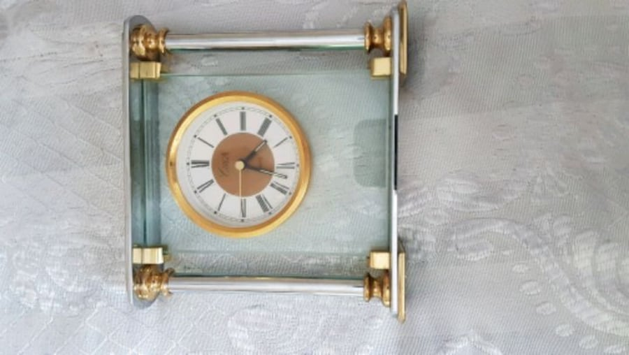 !! SPRING BREAK SPECIAL!! VINTAGE CLOCKS GREAT ADDITIONS TO YOUR HOME  8f928071-926b-4658-bea0-9d4b0df4e097