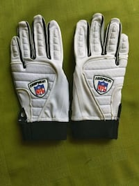 NFL Equipment Sticky Gloves Appears New Mount Airy, 21771