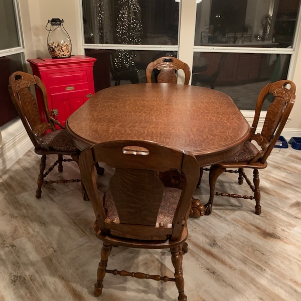 Pulaski Tiger Oak Dining Room Table 8 Chairs Originally Paid 3 200