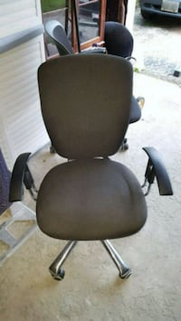 black leather padded rolling chair Toronto, M3H