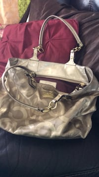 white and gray leather shoulder bag 2053 mi