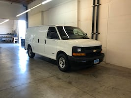 Fully loaded carpet cleaning van Chevy express Hydramaster boxxer 318.