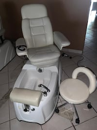 white leather padded rolling chair Pembroke Pines, 33024