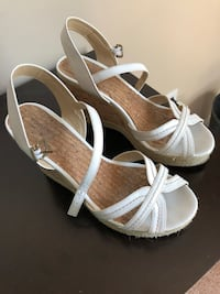 Women's size 9 wedges no holds  O'Fallon, 63368