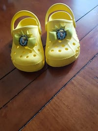 yellow Bella clogs Laval, H7N 1R4