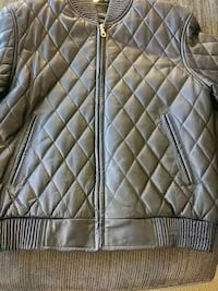 Genuine leather jacket. Medium size 45 km