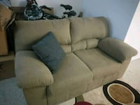 Loveseat Ashburn, 20147