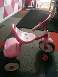 toddler's pink and red Radio Flyer trike Herndon, 20170