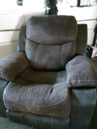 Microfiber and leather good condition  Oklahoma City, 73107