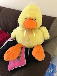 18 Inches in hight stuffed Animal ( duck) great shape and clean for your loved one room or to cuddle