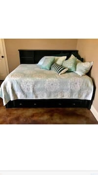 Full size bed with mattress has 4 drawers underneath  Jackson, 39202