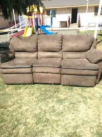 gray suede 3-seat sofa Toppenish, 98948