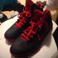 pair of black-and-red Nike basketball shoes San Pablo, 94806