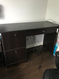 Dark brown wooden single pedestal desk Bolton, L7E 3X6