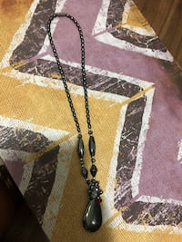 beautiful necklace with magnetic closure and stones Toronto