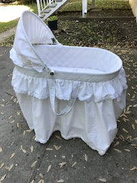 baby's white bassinet Montreal