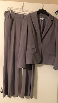 Newyork and Company pant suit - gray DeSoto, 75115