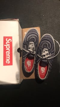 * Supreme vans size 10.5 New York, 11215