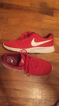 Red Nike Frankfort, 40601