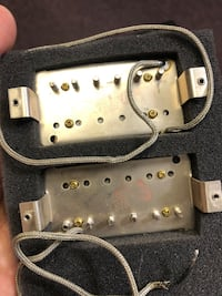 Gibson pickups 498r and 500t from a Gibson Les Paul Classic 2005 Montreal, H4G 1H7