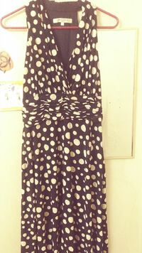 black and white polka-dot plunging neckline sleeveless maxi dress Anniston, 36206