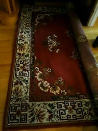 8 x 10 carpet very clean 50$.