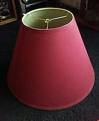 Lampshde in excellent condition (red) 371 mi