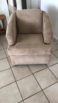 Beige suede sofa chair   Non smoking home and no pets Brooksville, 34613