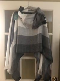 Soft, Cute Poncho, new with tag