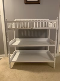 Baby changing table Silver Spring, 20901