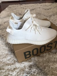 pair of white Adidas Yeezy Boost 350 with box Baltimore, 21230