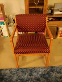 Wooden and cushioned fabric chair Beaverton, 97005