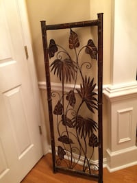 Bronze finish metal wall decor 26 mi