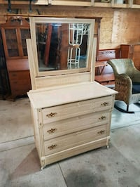antique dresser on casters  Brampton, L6X