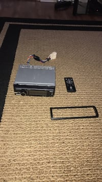 Sony Sirius car stereo with remote, with USB port