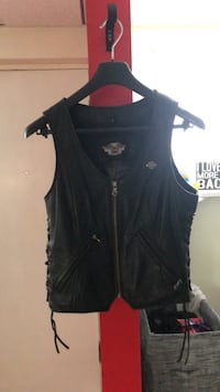 Zipper leather Harley Davidson vest Coquitlam, V3K 2N3