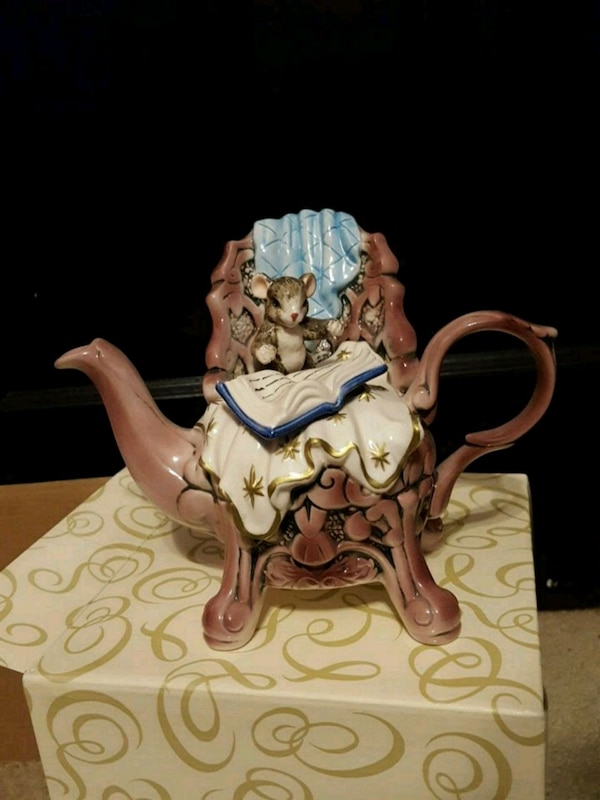 Mouse Teapot Figurine MusicBox