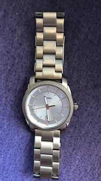 Round silver-colored analog watch with link bracelet Kitchener, N2H 2Z1