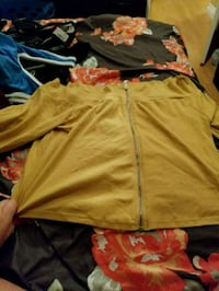 yellow zip-up jacket Burnaby, V5G 1A8