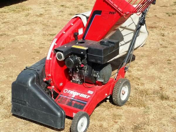 Troy Bilt Self Propelled Wood Chipper Leaf Vacuum