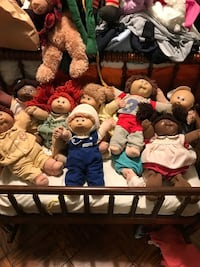Lot of cabbage patch kids dolls