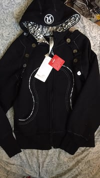 Lululemon scuba hoodie size 6 never worn tag still on Halifax, B3M 1B4
