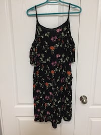 black and red floral spaghetti strap dress Brant, N0E 1A0