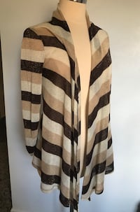 Beautiful sweater size small excellent condition Stamford, 06902
