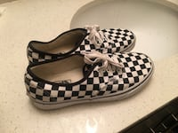 Pair of black-and-white checkered vans Concord, 28027