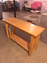 Sofa table in great condition- must pick up  Winchester, 22602