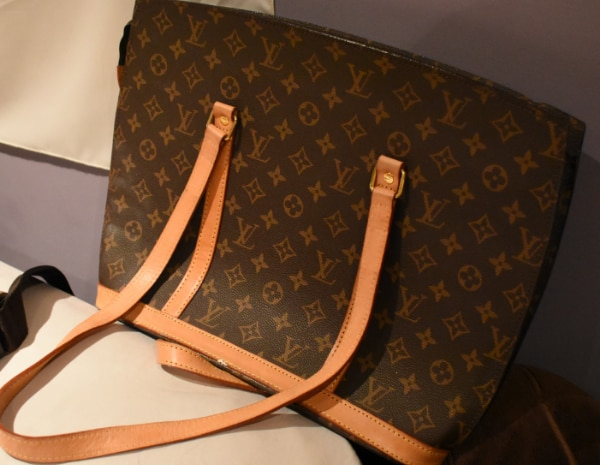 Used Louis Vuitton laptop work purse for sale in Toronto - letgo ac75c69f898e2